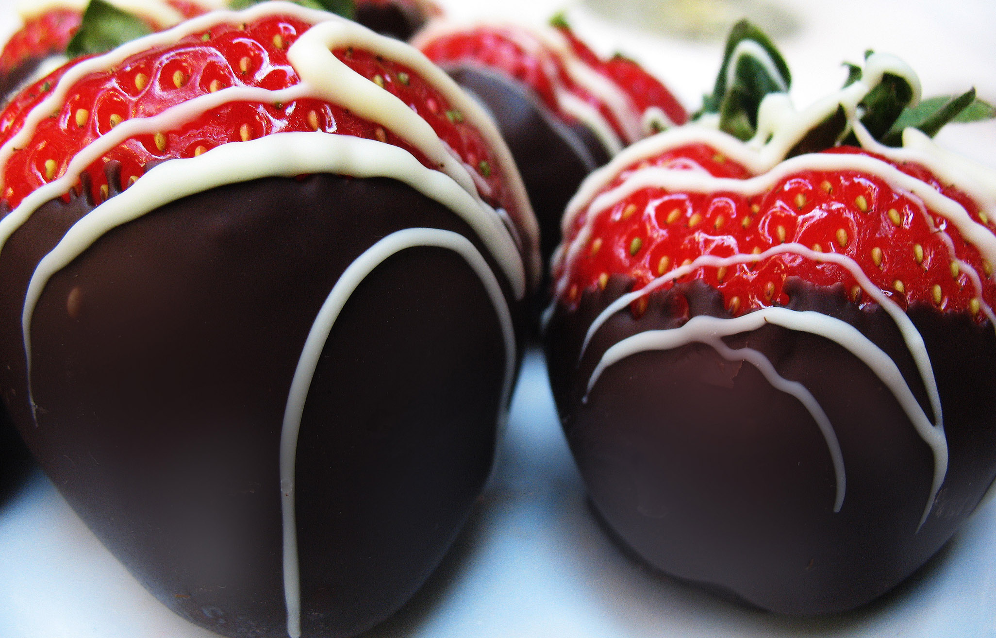 Chocolate_Covered_Strawberries_by_caitelle